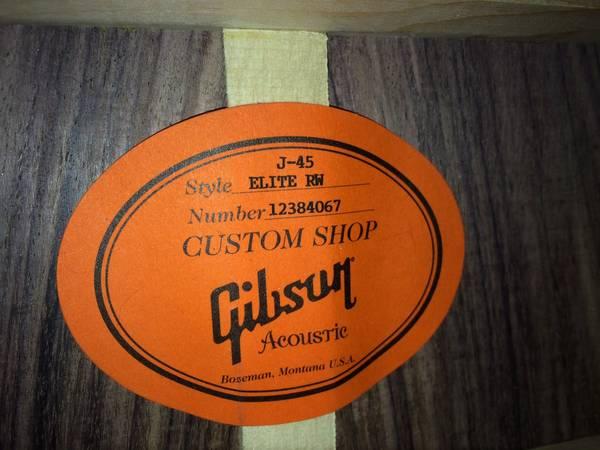 Gibson_J-45_Elite_RW